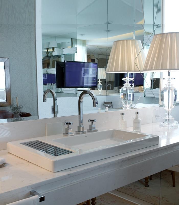 lavatorio-pousar-deca-l1044-img3-carlos-e-miguel